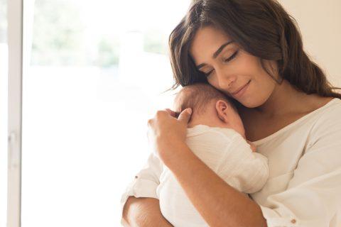 bambino in braccio