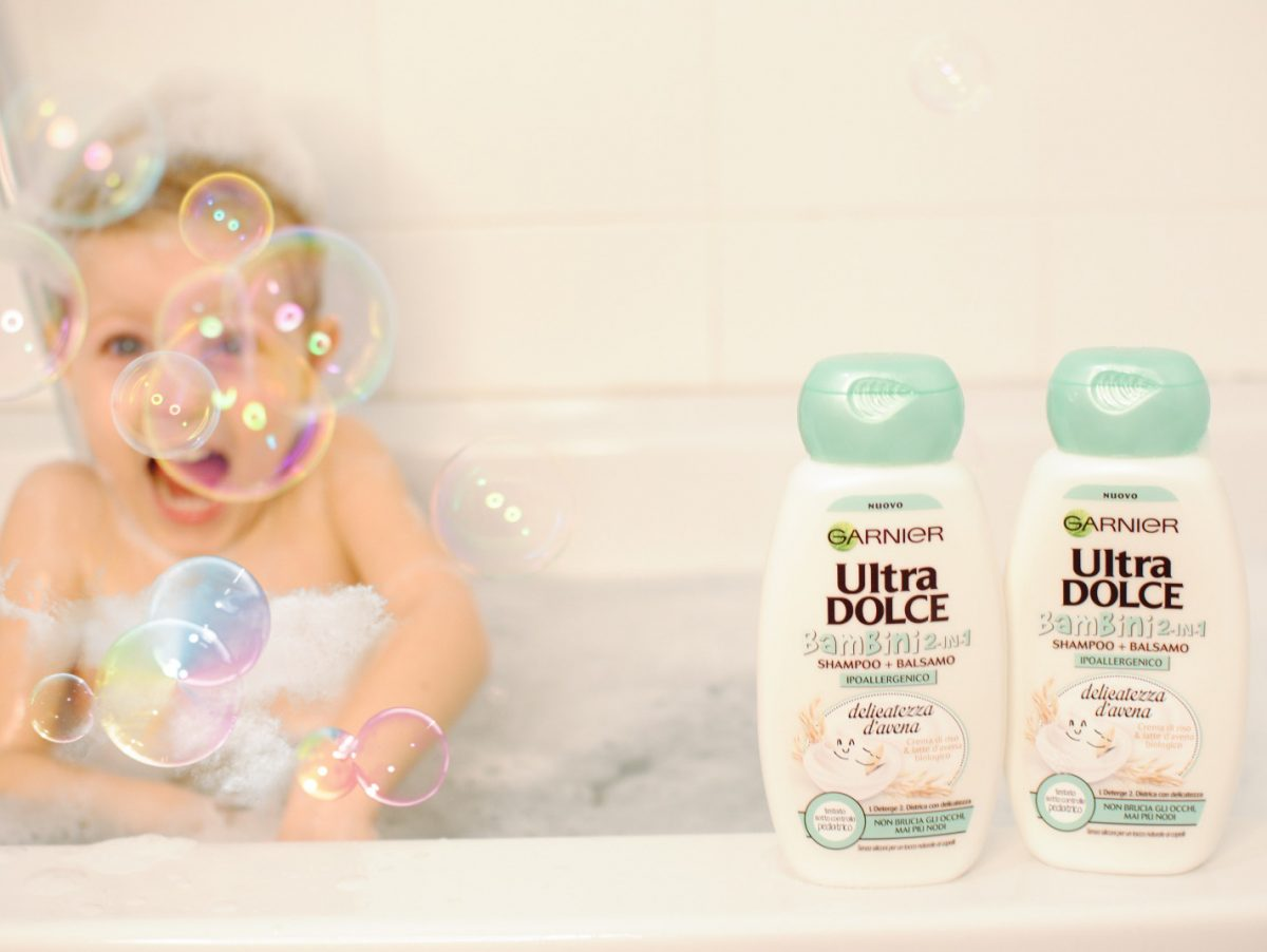sampoo ultra dolce per lavare i capelli ai bambini