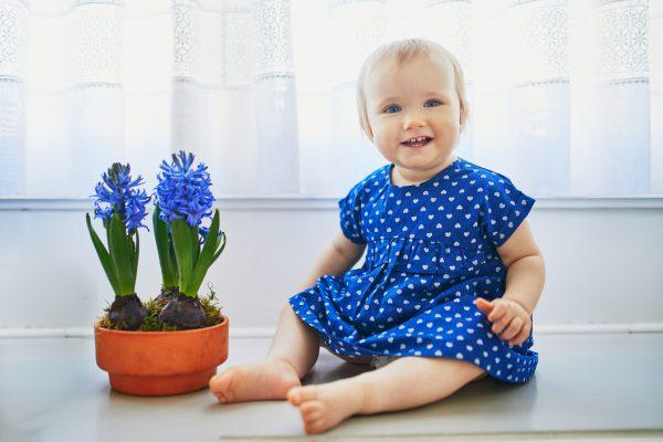 Stai cercando idee per scegliere il nome della tua bimba? Ecco alcuni nomi di fiori primaverili per bambine, anche in inglese