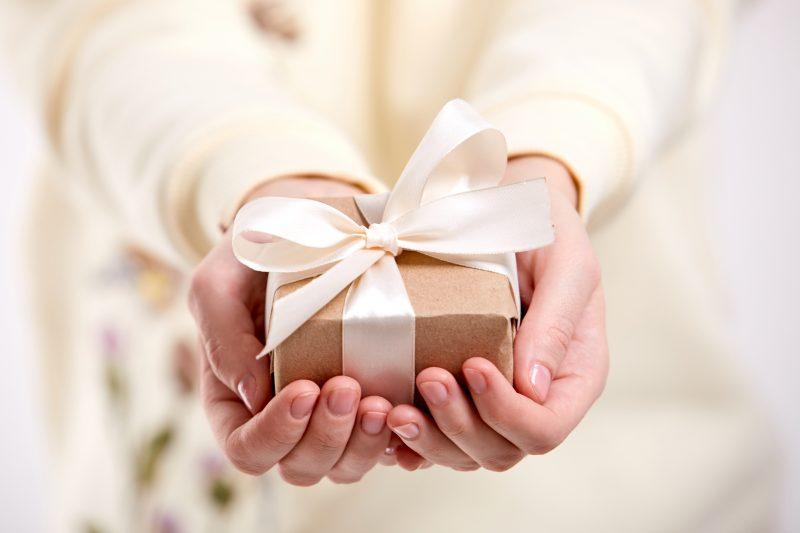 cosa regalare a una bambina che fa la prima comunione