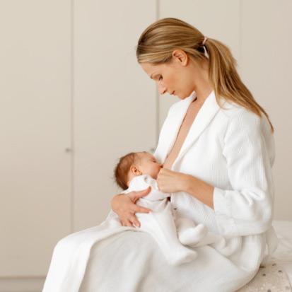 Il latte materno aiuta il bambino a prendere sonno